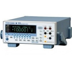 GS200 - источник программируемый постоянного тока и напряжения