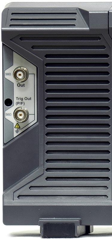 ADS-6000FG2 — опция встроенного генератора (2 канала, 25 МГц)
