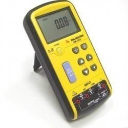 АМ-7070 — калибратор напряжения и тока